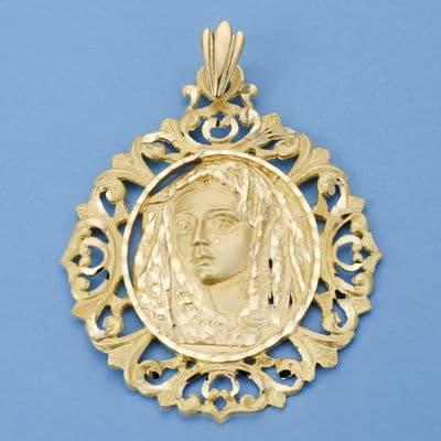 Virgen de la  Macarena Cerco. 52 X 42 Mm. 14,20 Grs